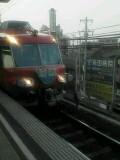 栄生駅にて。ピント合ってねぇ〜