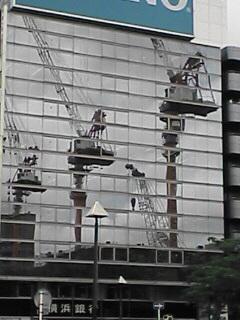 新横浜クレーン3兄弟