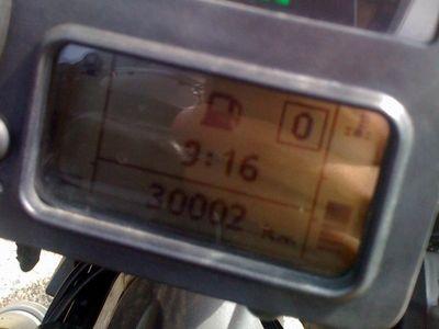 [写真]30,002kmのオドメーター